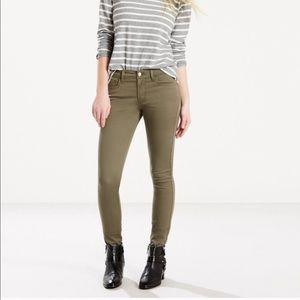 Levi's NWT 710 Super Skinny Olive Green Jeans M66